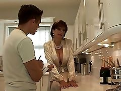 Lady Sonia Gives Youthful Employee Bj Facial Cumshot Pop-shot
