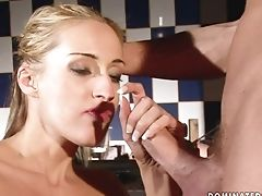 Nubile Gal Holds Her Mouth Broad Open While Taking Pop-shot