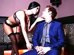 Awesome First-ever Date Completes Up With A Deviant Steamy Orgy With Dark-haired Cougar